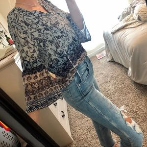 PAISLEY BELL SLEEVE COLORED TOP